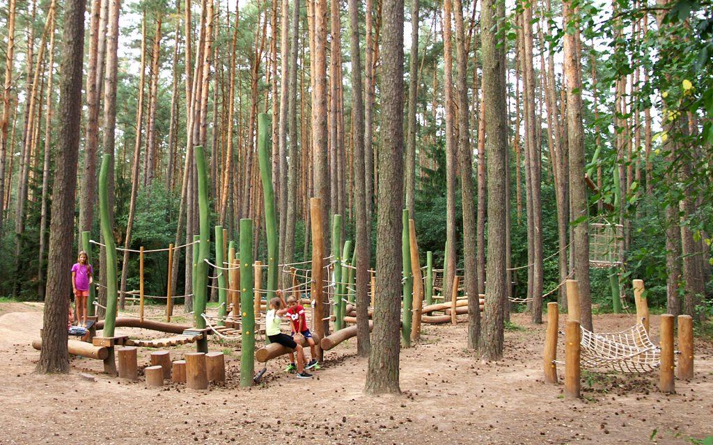 holz, wood, spielplatz, playground, camping, kletter- balancieranlage, climbing andbalancing unit