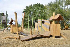 Reiher, Spielplatz, Vogelversteck, playground, france