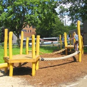 holz, wood, robinie, robinia, spielplatz, playground, balancierparcours, balancing course