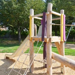 kita, spielplatz, spielanlage, robinie, playground, multi unit, robinia, holz, wood