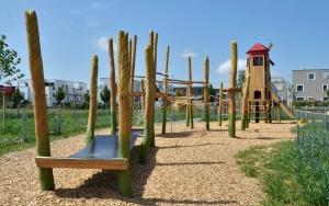 holz, wood, robinie, robinia, spielplatz, playground, bauernhof, farm, kletteranlage, getreide, climbing unit, cereals