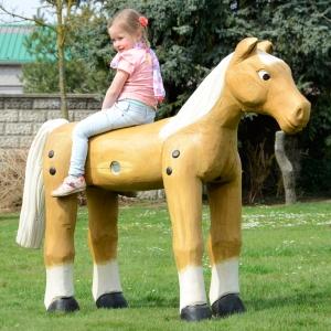 holz, wood, robinie, robinia, spielplatz, playground, spielskulptur, pferd, playing sculpture, horse