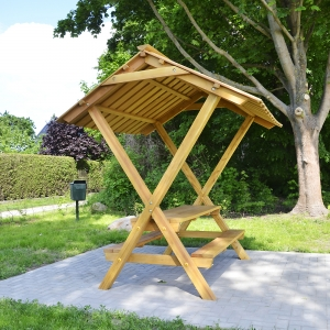 holz, wood, robinie, robinia, spielplatz, playground, Sitzgruppe mit Dach, suite with roof