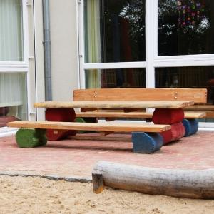 holz, wood, robinie, robinia, spielplatz, playground, sitzgruppe kinder, suite children