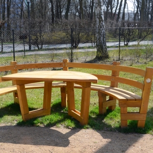 holz, wood, robinie, robinia, spielplatz, playground, sitzgruppe, suite
