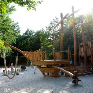 holz, wood, robinie, robinia, spielplatz, playground, spielanlage, multi unit, spielschiff, play ship