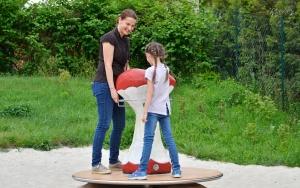 holz, wood, robinie, robinia, spielplatz, playground, auerhuhn, capercaillie