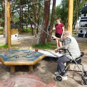holz, wood, robinie, robinia, spielplatz, playground, kegelspiel, skittles play, fisch, fish