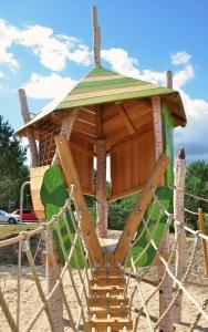 holz, wood, robinie, robinia, spielplatz, playground, kletterwald, climbing forest, birken, birch trees