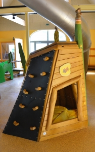 holz, wood, robinie, robinia, spielplatz, playground, maeuse, mice