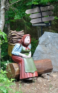 holz, wood, robinie, robinia, spielplatz, playground, skulptur, sculpture, kiepenfrau