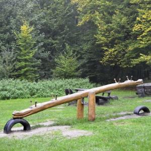 holz, wood, robinie, robinia, spielplatz, playground, wippe, seasaw