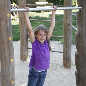 holz, wood, robinie, robinia, spielplatz, playground, kletterkombination, climbing combination