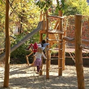 holz, wood, robinie, robinia, spielplatz, playground, kletterwald, climbing forest