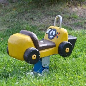 holz, wood, robinie, robinia, spielplatz, playground, federwipper, springer, miniwipper, mini springer, radlader, wheel loader