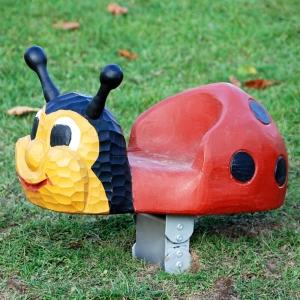 holz, wood, robinie, robinia, spielplatz, playground, federwipper, springer, miniwipper, mini springer, marienkaefer, ladybird