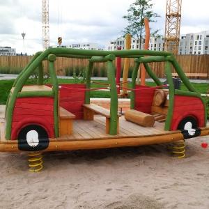 holz, wood, robinie, robinia, spielplatz, playground, federwipper, springer, bus, bulli