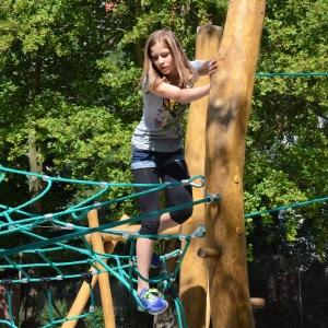 holz, wood, robinie, robinia, spielplatz, playground, kletter-balancier-anlage, climbing balancing unit