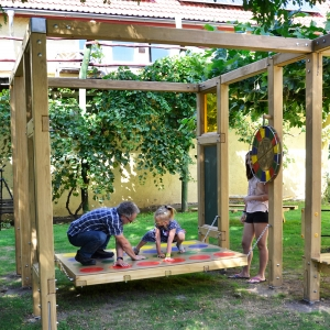 holz, wood, robinie, robinia, spielplatz, playground, spielwuerfel, play cube
