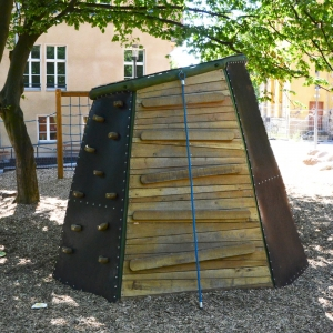 holz, wood, robinie, robinia, spielplatz, playground, kletterhoehle, climbing cave