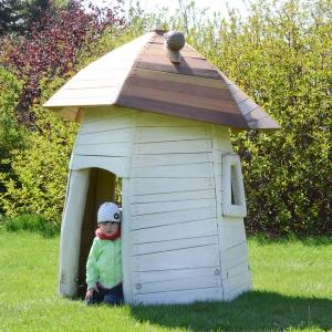 holz, wood, robinie, robinia, spielplatz, playground, spielhaus, playhouse, steinpilz, boletus