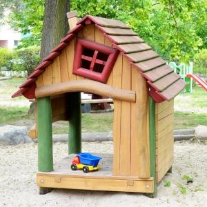 holz, wood, robinie, robinia, spielplatz, playground, spielhaus, playhouse, wald, forest