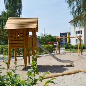 holz, wood, robinie, robinia, spielplatz, playground, spielanlage, multi unit, fischerhaus, fischer's house