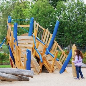 holz, wood, robinie, robinia, spielplatz, playground, piratenschiff, pirate ship, bug, bow