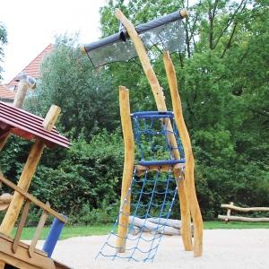 holz, wood, robinie, robinia, spielplatz, playground, piratenschiff, pirate ship, mastkorb, crow's nest