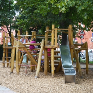 , robinia, spielplatz, playground, spielanlage, multi unit, spinne, spider