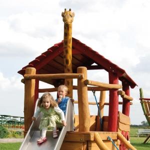 holz, wood, robinie, robinia, spielplatz, playground, spielschiff, play ship, kleine arche, small ark, giraffe
