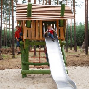 holz, wood, robinie, robinia, spielplatz, playground, spielhauskombination, playhouse combination, stelzenhaus, stilt house