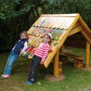 holz, wood, robinie, robinia, spielplatz, playground, spielhaus, playhouse, selbstbauhaus, do it your self kit, U3