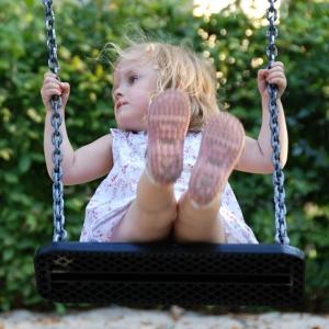 holz, wood, robinie, robinia, spielplatz, playground, schaukelsitz, swing seat