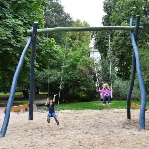 holz, wood, robinie, robinia, spielplatz, playground, riesenschaukel, gigant swing