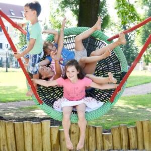 holz, wood, robinie, robinia, spielplatz, playground, schaukelkorb, basket