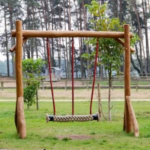 holz, wood, robinie, robinia, spielplatz, playground, partnerschaukel, partner swing