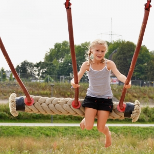 holz, wood, robinie, robinia, spielplatz, playground, partnerschaukelistz, partner swing seat