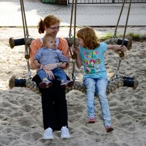 holz, wood, robinie, robinia, spielplatz, playground, schaukelsitz, seat, generationen, generation