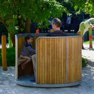 holz, wood, robinie, robinia, spielplatz, playground, karussell, carousel, trommel, drum