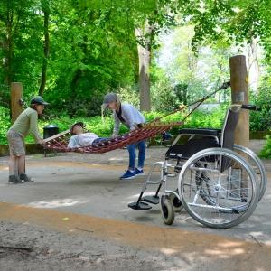 holz, wood, robinie, robinia, spielplatz, playground, haengematte, hammock
