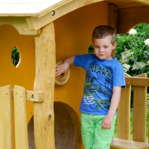 holz, wood, robinie, robinia, spielplatz, playground