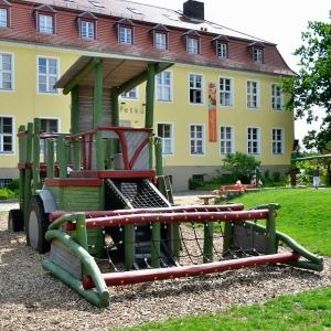 holz, wood, robinie, robinia, spielplatz, playground, spielmobil, play mobile, maehdrescher, harvester