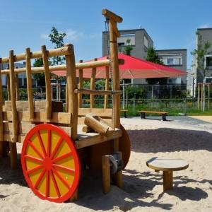holz, wood, robinie, robinia, spielplatz, playground, spielmobil, play mobile, heuwagen, hay wagon