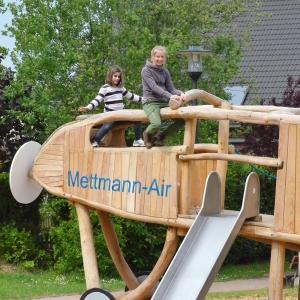 holz, wood, robinie, robinia, spielplatz, playground, spielmobil, play mobile, flugzeug, air plane