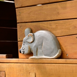 holz, wood, robinie, robinia, spielplatz, playground, spielhaus, playhouse, baba jaga, maus, mouse