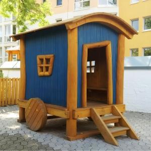 holz, wood, robinie, robinia, spielplatz, playground, spielhaus,