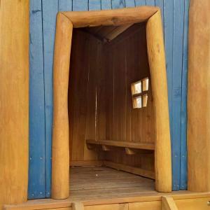 holz, wood, robinie, robinia, spielplatz, playground, spielhaus, bauwagen, construction trailer