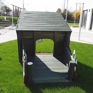 holz, wood, robinie, robinia, spielplatz, playground, spielhaus, playhouse, drache, dragon