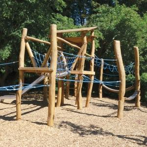 holz, wood, robinie, robinia, spielplatz, playground, spielanlage, multi unit, kletterwald, climbing forest